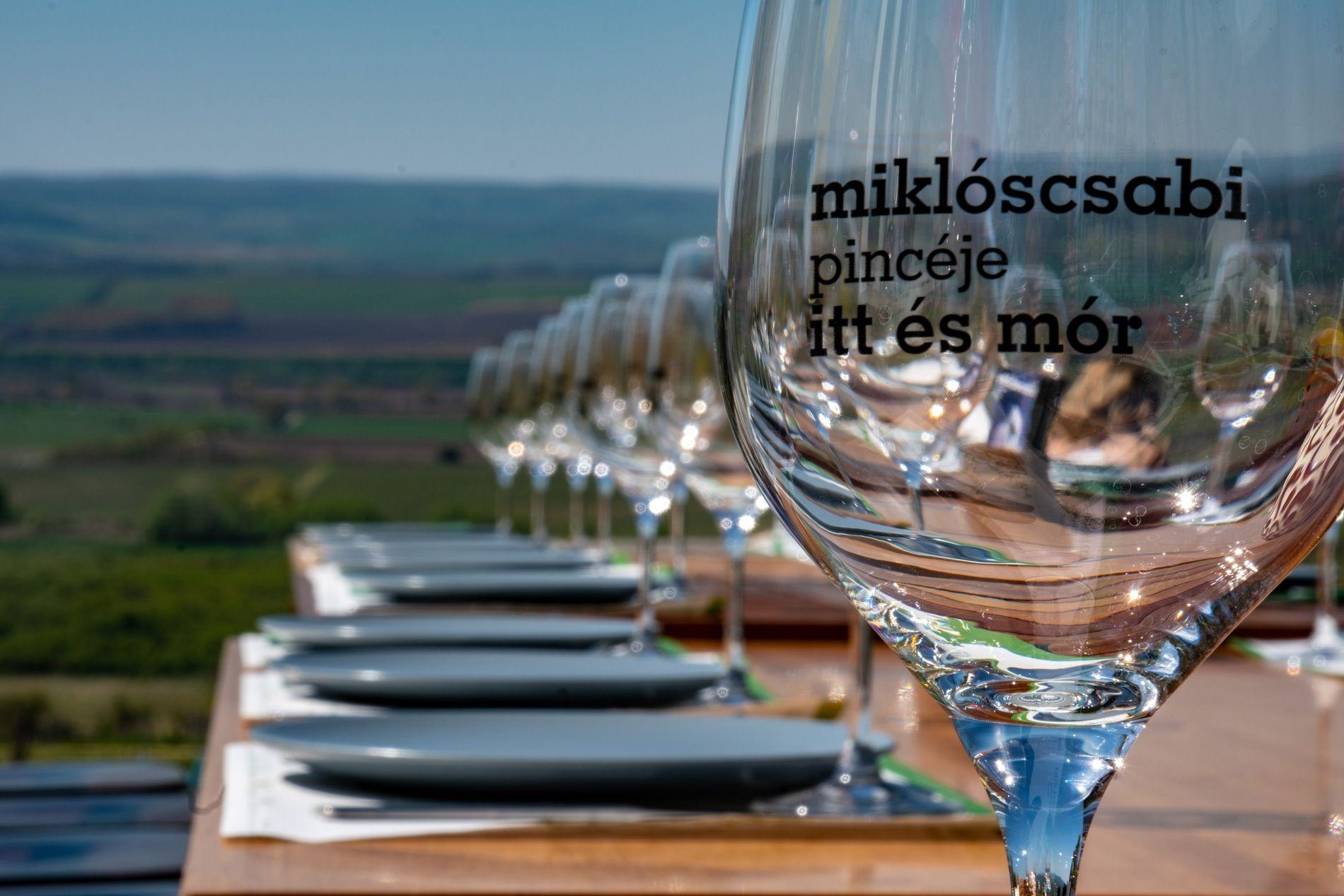 Miklós Csabi - Mór