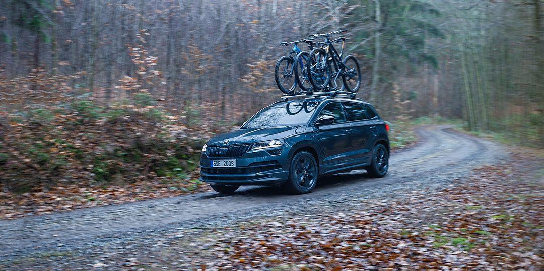 Élvezd a szabadságot: a KAROQ volánja mögött, vagy egy kerékpár nyergében